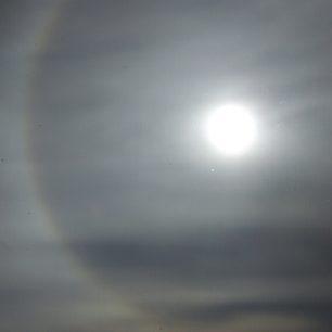 Halo okolo Slunce den před zatměním