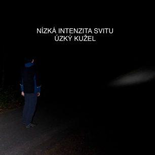 Nízká intenzita svitu a úzký kužel čelovky Ledlenser MH5 / F: Martin Slezáček