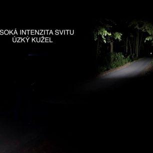 Vysoká intenzita svitu s úzkým kuželem čelovky Ledlenser MH5 / F: Martin Slezáček